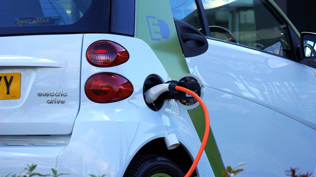 Industrial storage with Second-Use automotive batteries